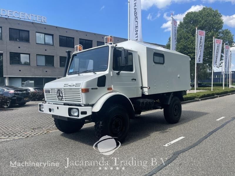MERCEDES-BENZ UNIMOG 1300 L ambulance