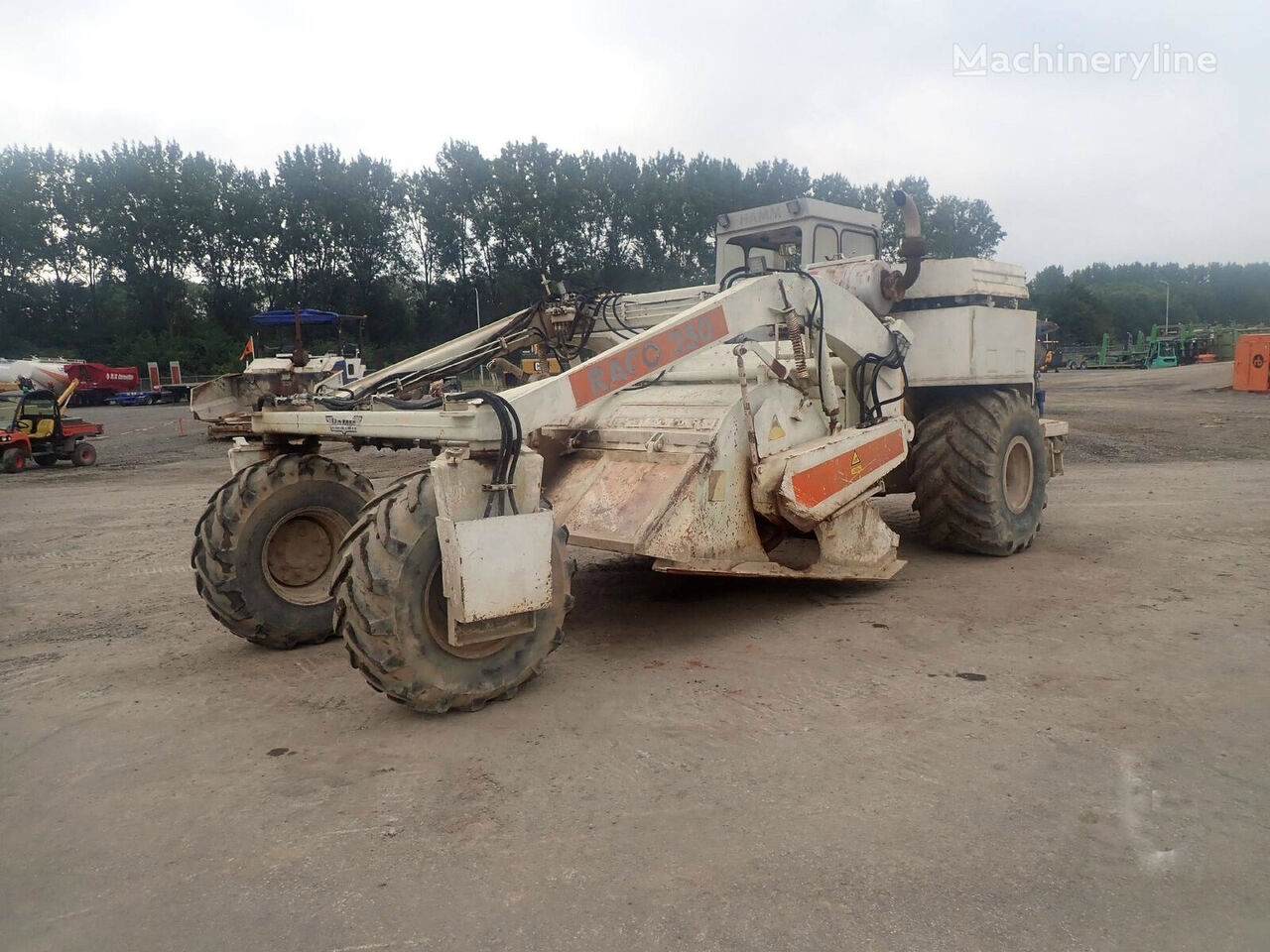 HAMM Raco 250 scraper