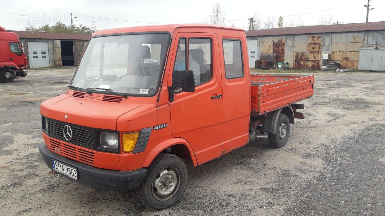 MERCEDES-BENZ 208 D fladvogn lastbil < 3.5t