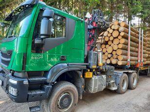 IVECO TRAKKER tømmervogn